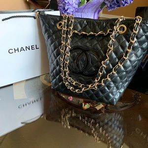 CHANEL Bags - Chanel precious VIP gift beauty bag 🔥🔥🔥